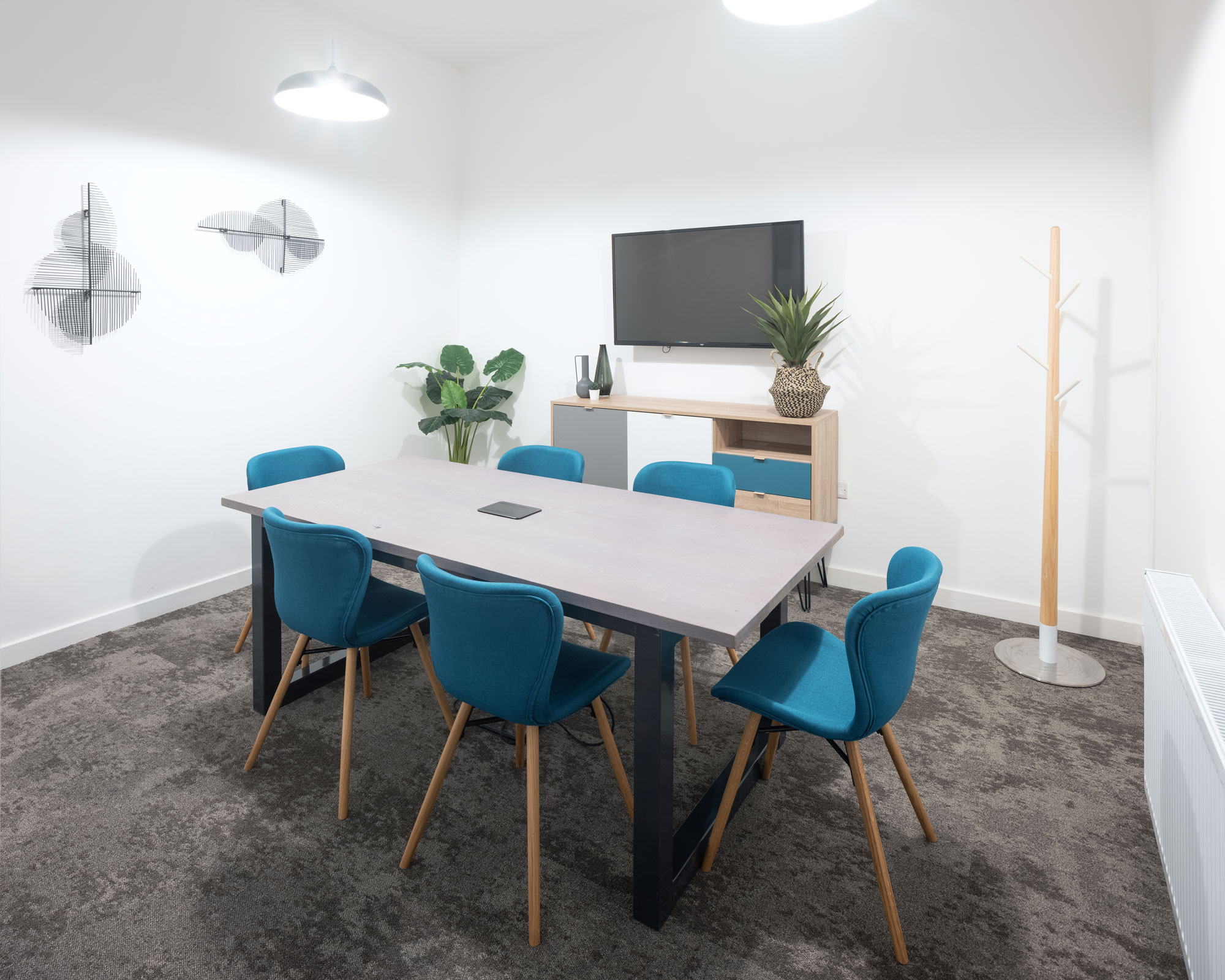 Private offices in Glasgow with meeting rooms